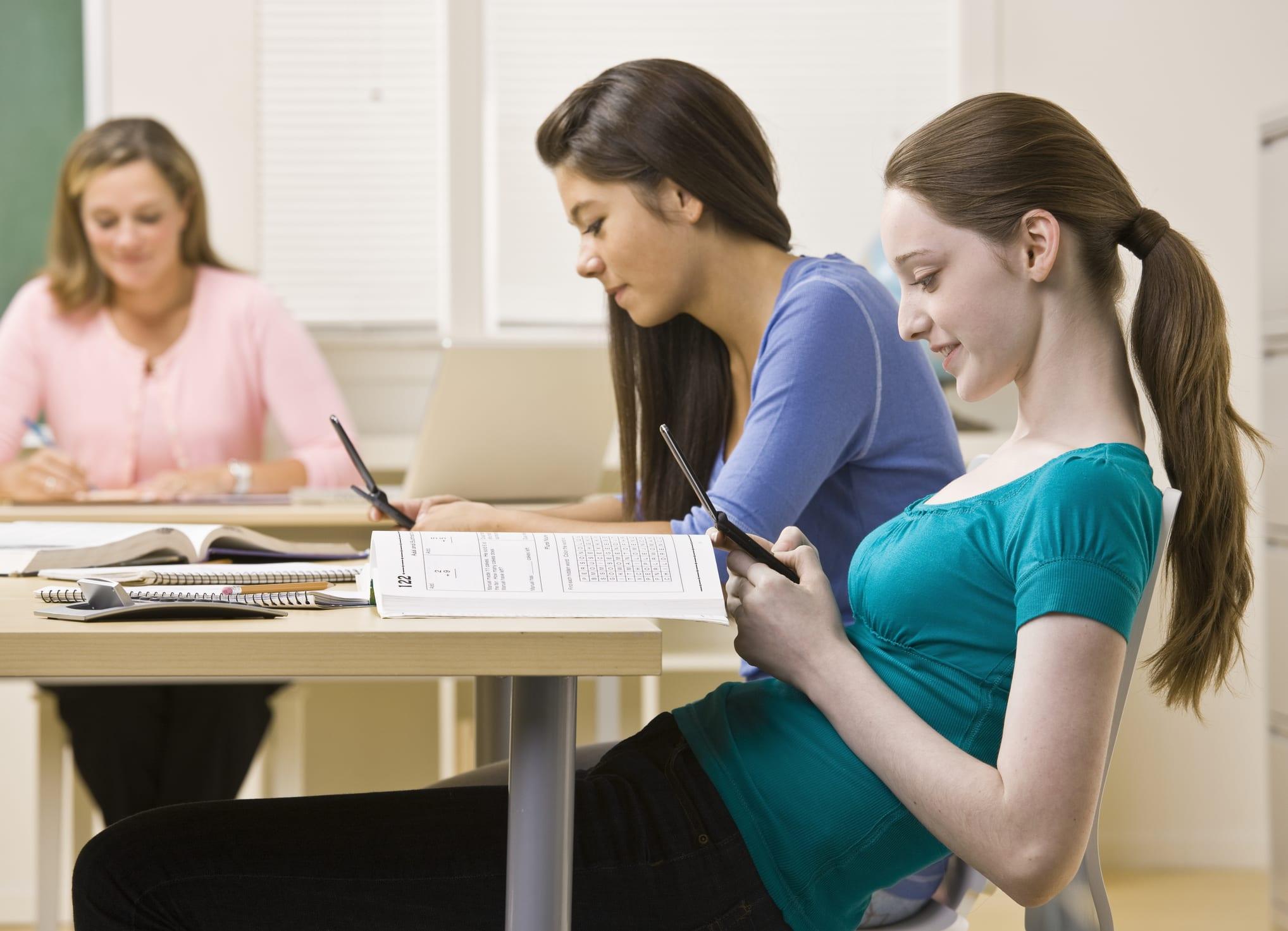 cell phones school 1